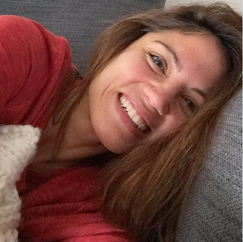 Μαίρη Συνατσάκη: Κλείνει σήμερα τα 30 και φωτογραφίζεται χωρίς ίχνος μακιγιάζ