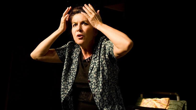 """Ποια ηθοποιός με 46 χρόνια πορείας στο θέατρο δηλώνει: """"Δεν είμαι δα και σαν την Ακρόπολη""""!"""